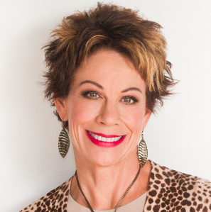 Carol Tuttle headshot